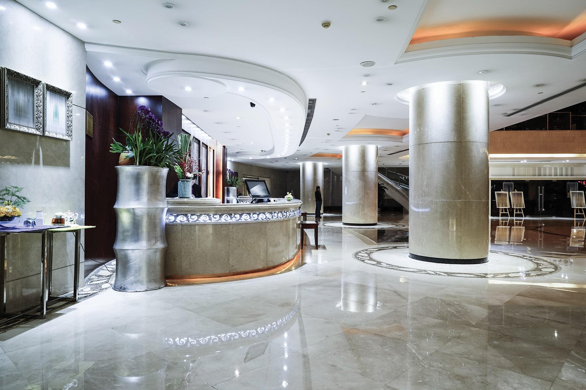 General Sectors, Hotels, Q-nis